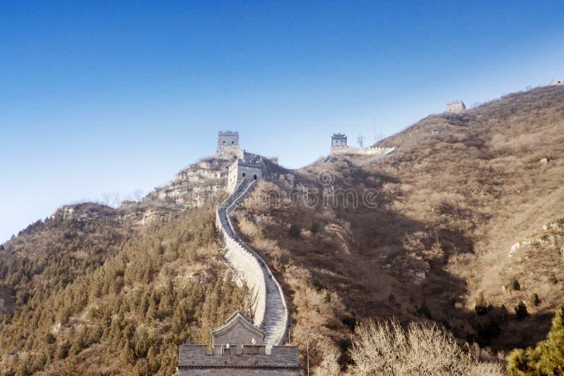Grande Muralha bonito de China sob o céu azul foto de stock royalty free