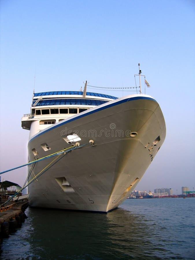 Grande navio de cruzeiros fotografia de stock royalty free