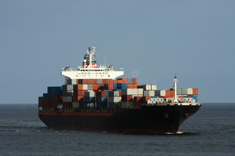 Grande navio de recipiente no mar. fotos de stock
