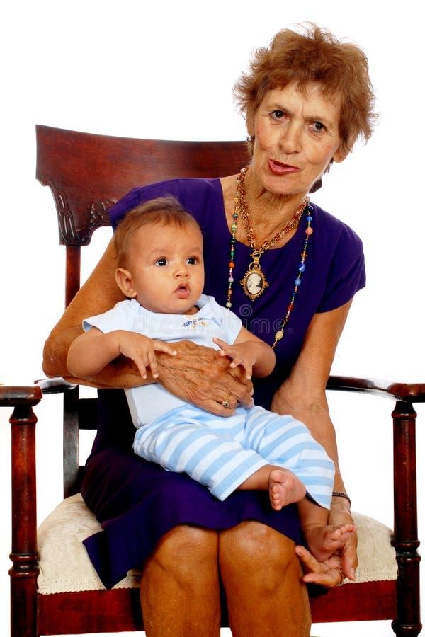 Download Grande Nonna Con Il Bambino Fotografia Stock - Immagine di isolato, nipote: 3149750