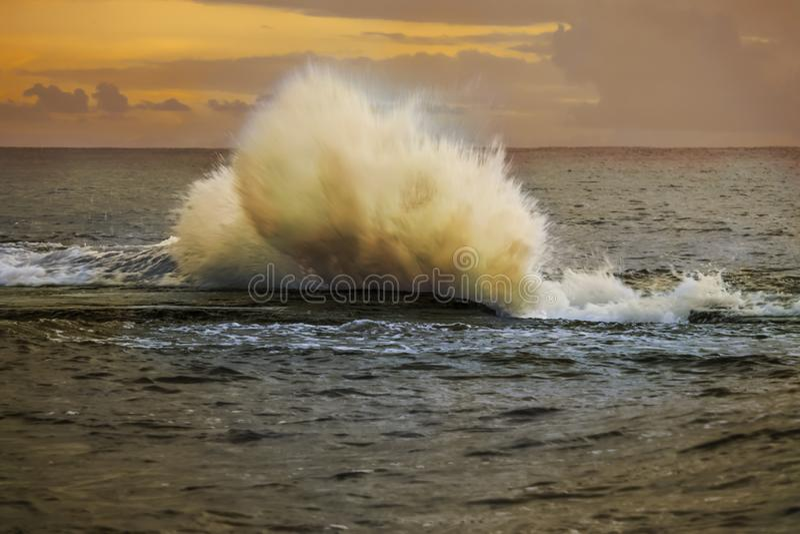 Grande onda Natura e paesaggi immagine stock