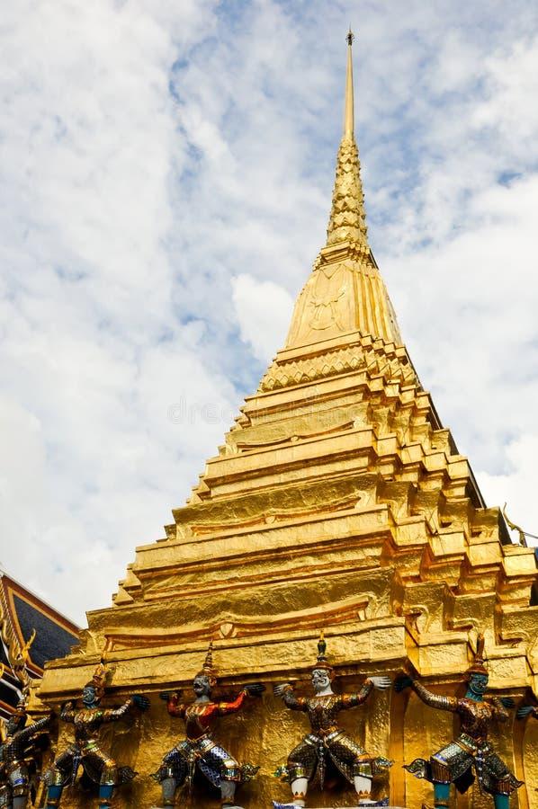 Grande pagoda dourado fotografia de stock