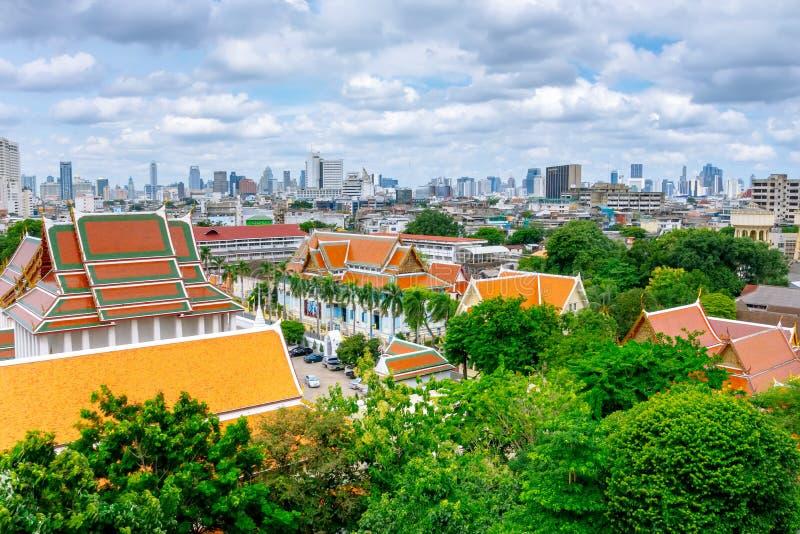Grande palazzo e la città di Bangkok immagine stock