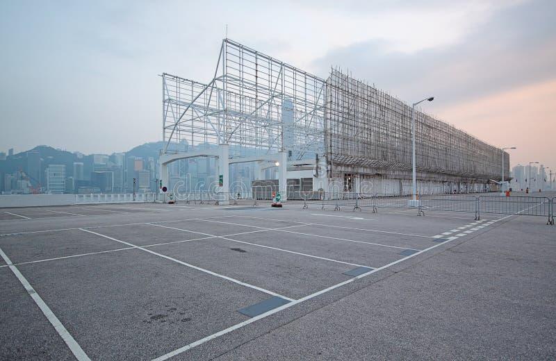 Grande parque de estacionamento numerado do espaço foto de stock