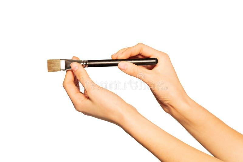 Grande pennello shader nelle mani di un artista truccato fotografia stock libera da diritti