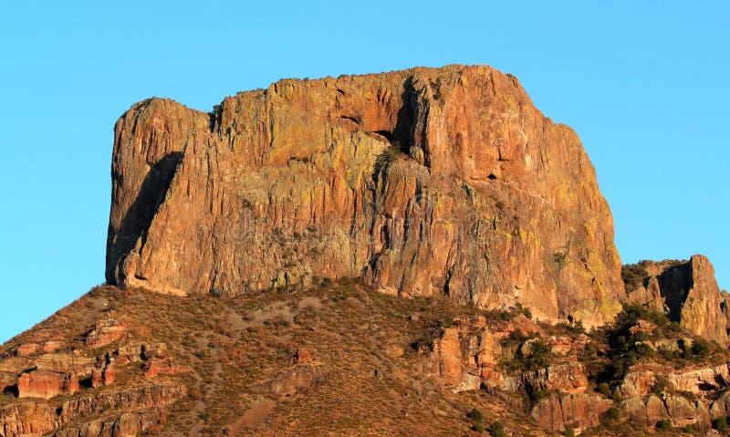 Grande pico de la casa en las montañas de Chisos en parque nacional de la curva grande en Tejas fotografía de archivo libre de regalías