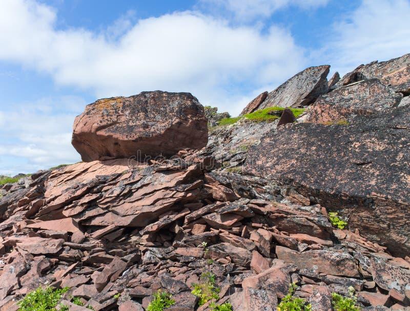 Grande pierre sur la plage d'Ametist image stock