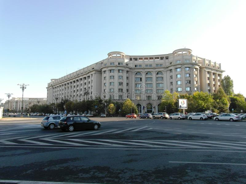 Grande place à Bucarest image stock