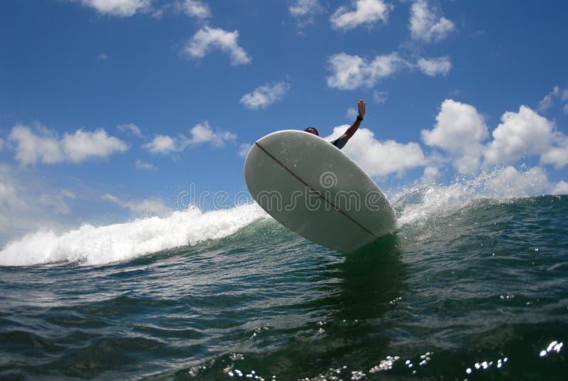 Grande réduction de vague déferlante photo stock