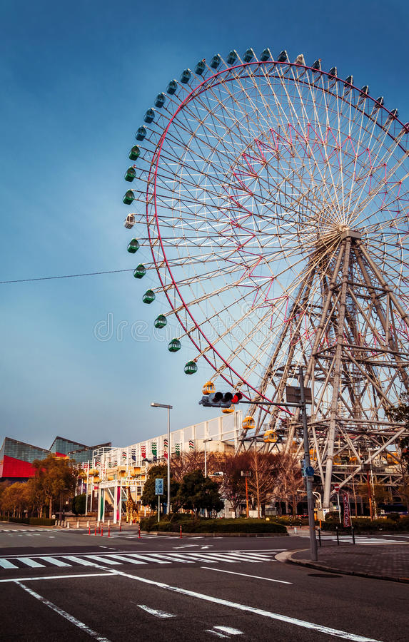 Grande roue à Osaka photo libre de droits