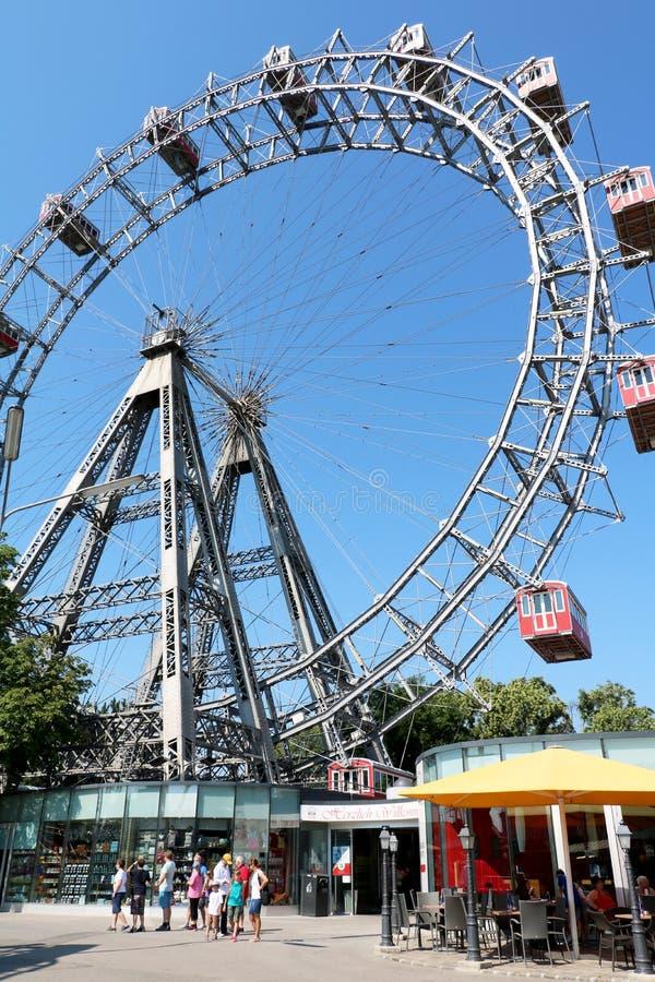 Grande roue en parc de Prater vienne l'autriche photo stock