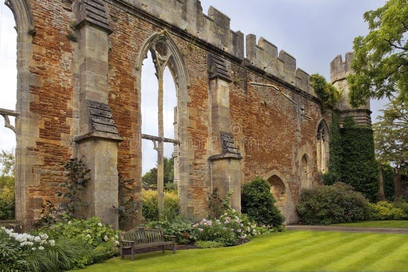 Grande salão arruinado pelos bispos palácio, Somerset, Inglaterra imagens de stock