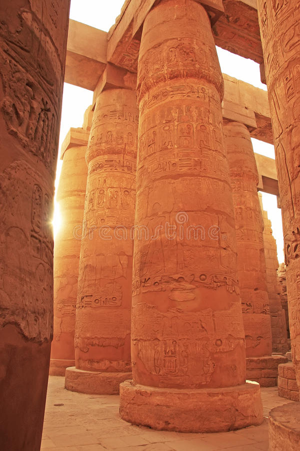 Grande Salão hipostilo, complexo do templo de Karnak, Luxor fotos de stock