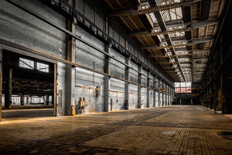 Grande salão industrial de uma estação do reparo fotografia de stock royalty free
