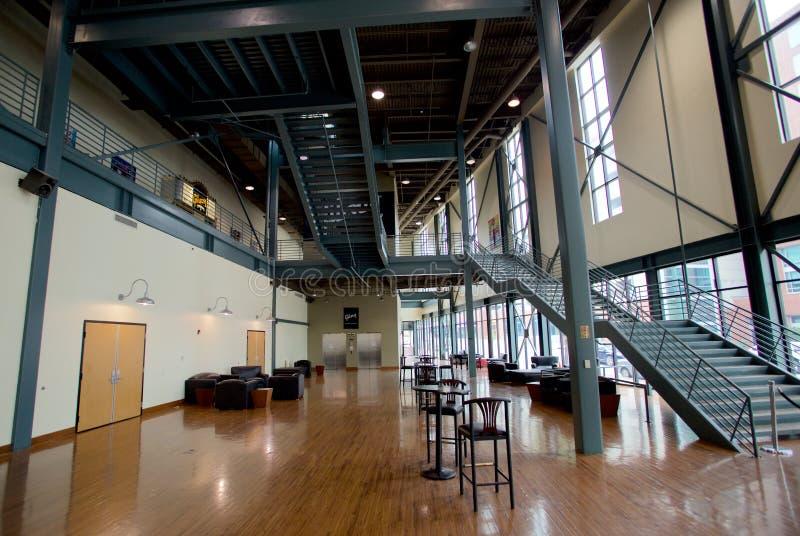 Grande sala em Gibson Guitar Factory em Memphis, Tennessee fotografia de stock royalty free