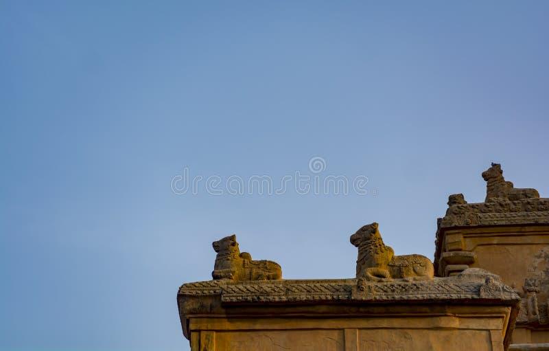 Grande scultura del tempio di Tanjore - Nandi immagini stock