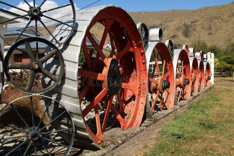 Grande scultura della ruota del metallo in Kingston New Zealand fotografia stock