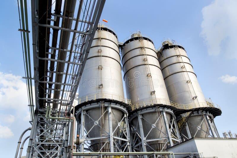 Grande silo da fábrica imagem de stock royalty free