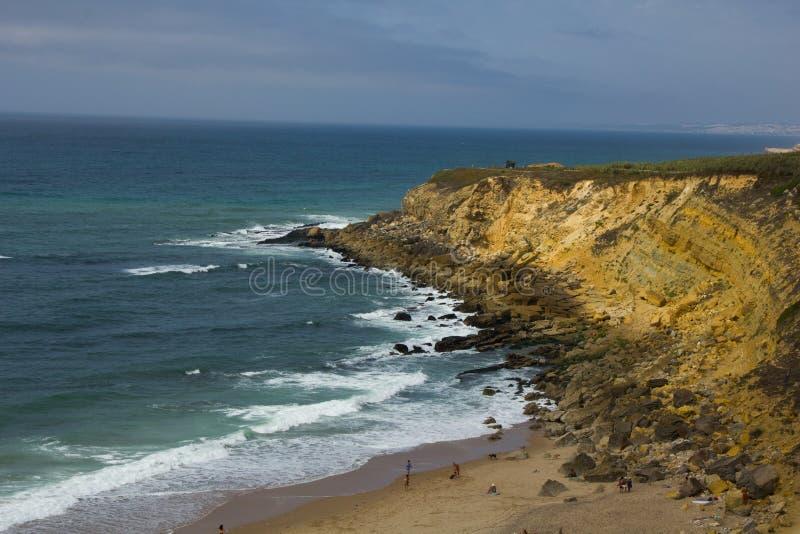 Grande spiaggia nel Portogallo fotografia stock