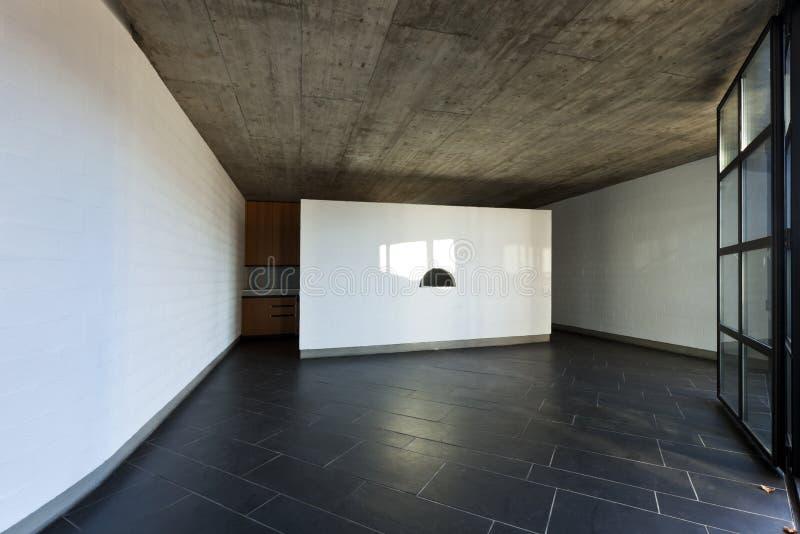 Grande stanza con la finestra fotografia stock