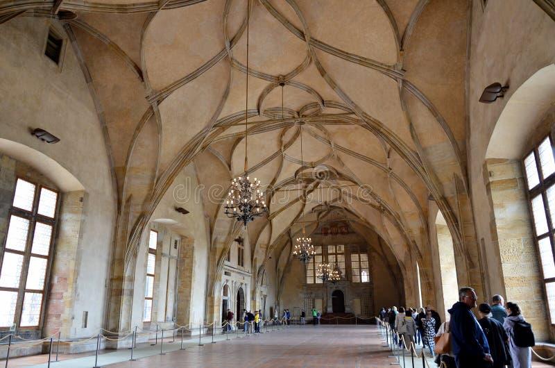 Grande stanza dentro il castello di Praga immagine stock libera da diritti