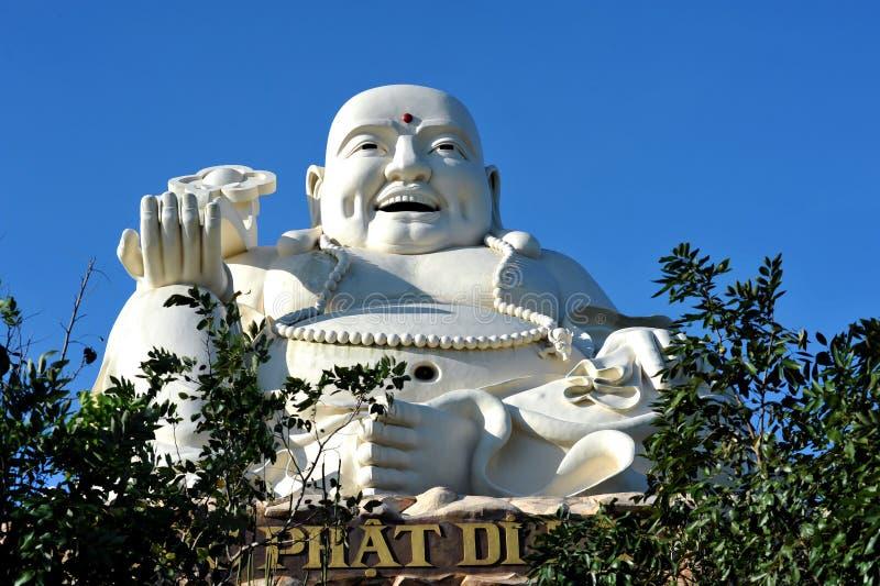 Grande statua di Buddha nella città di Vung Tau vietnam immagine stock libera da diritti