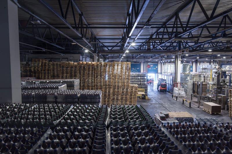 Grande stoccaggio alla fabbrica di birra immagine stock