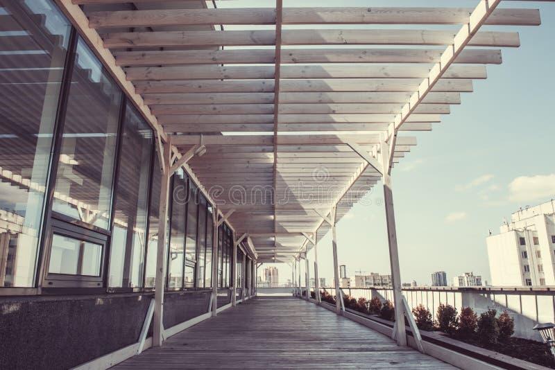 Grande terraço de madeira fotos de stock royalty free
