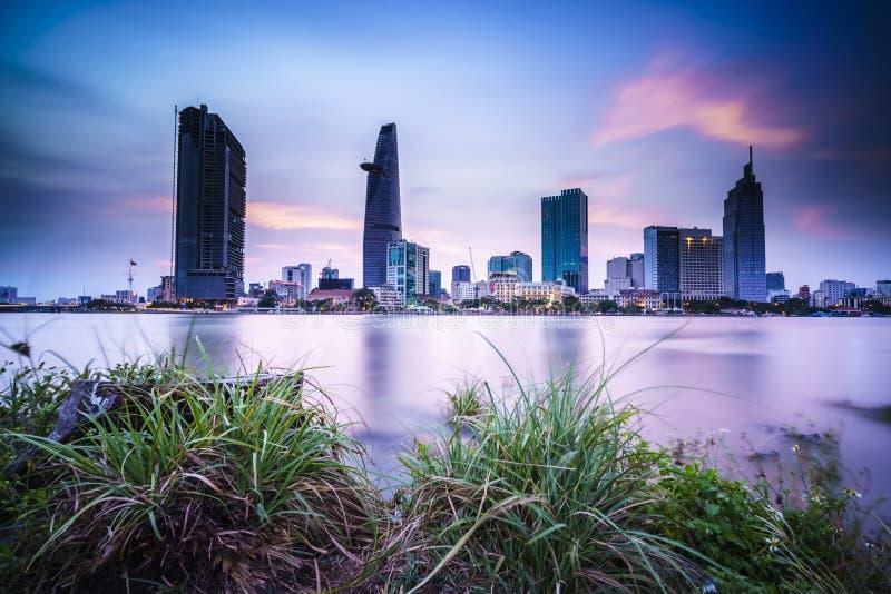 Grande tiro da noite da metrópole, cidade de Ho Chi Minh fotos de stock royalty free
