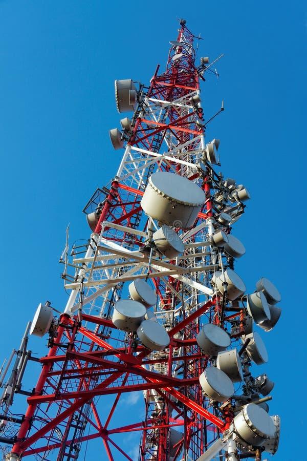 Download Grande Torre Della Trasmissione Fotografia Stock - Immagine di stazione, telefono: 30827498