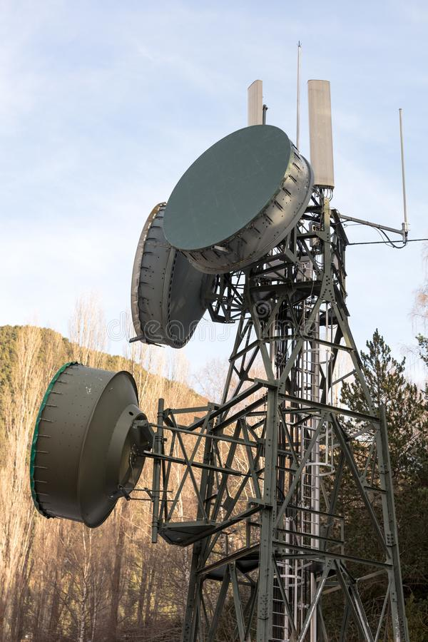 Grande torre di comunicazione immagini stock libere da diritti
