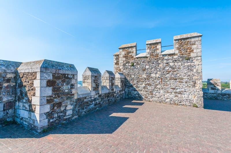 Grande torre em Dover Castle foto de stock