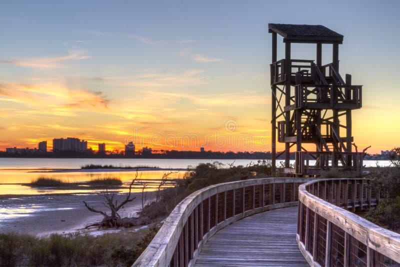 Grande tramonto della torre di osservazione della laguna fotografie stock
