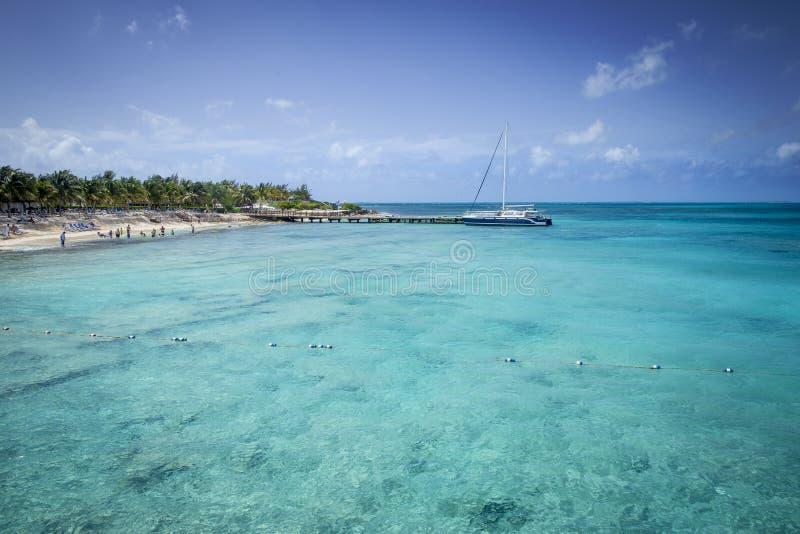 Download Grande Turk Island, Caraibico Immagine Stock - Immagine di catamaran, barca: 56884069