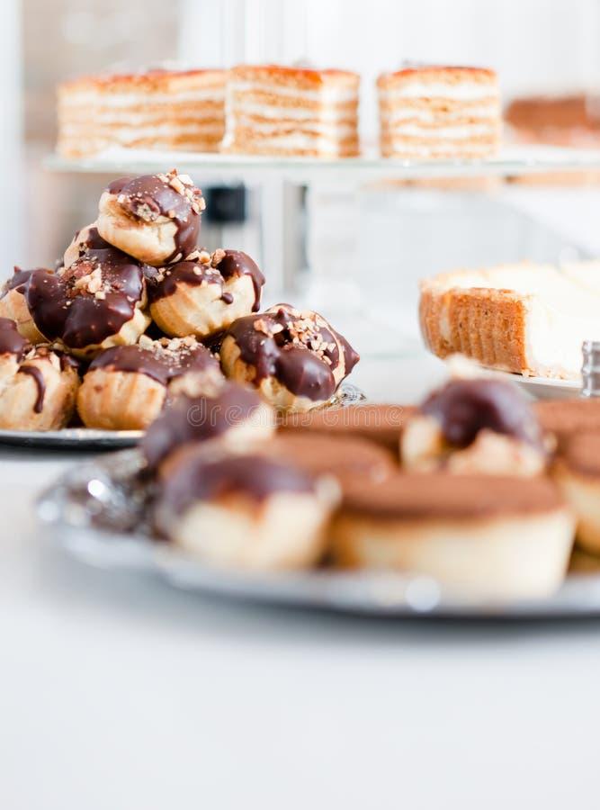 Grande variedade de tortas diferentes imagens de stock royalty free