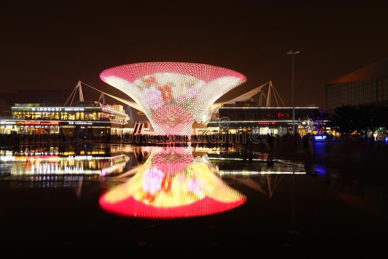 Grande vaso nella plaza dell'Expo fotografie stock