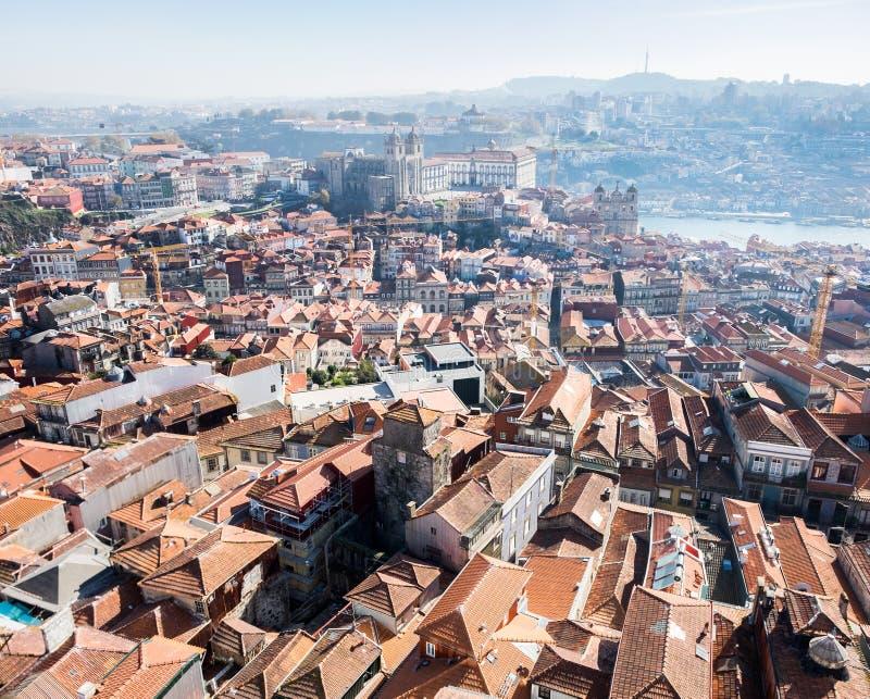 Grande vista aérea panorâmico em telhados vermelhos da cidade de Porto fotografia de stock royalty free