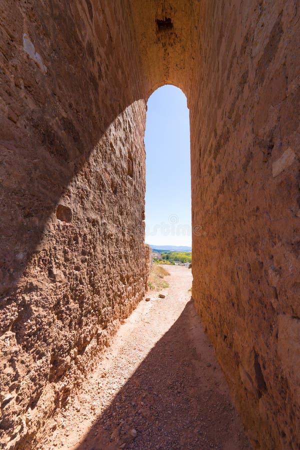 Grande voûte dans la tour arabe d'Ayllon photo libre de droits
