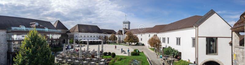 Grande vue panoramique de l'intérieur de château de Ljubljana image libre de droits