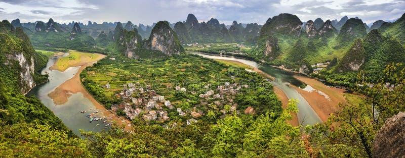 Grande vue panoramique du paysage de Guilin photographie stock libre de droits