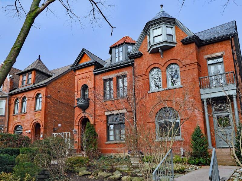 Grandes casas do tijolo fotografia de stock royalty free