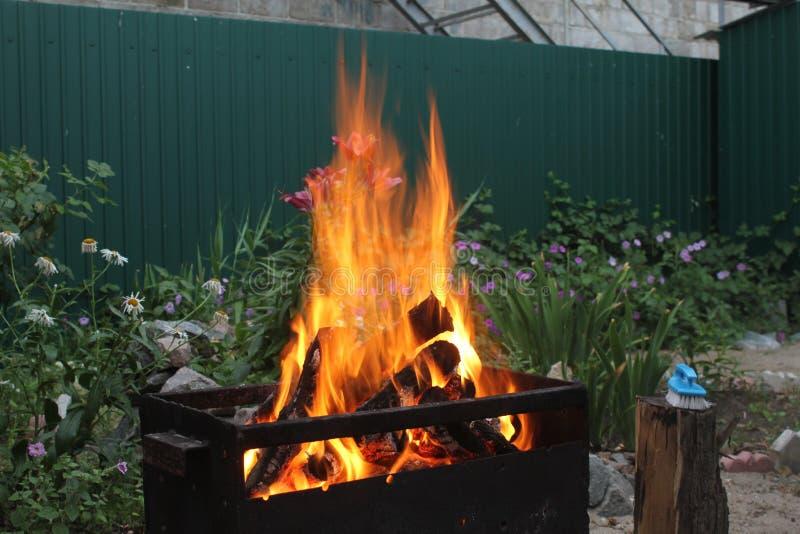 Grandes chamas do fogo fotos de stock