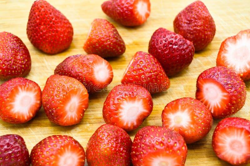 Grandes fresas limpias y frescas imagen de archivo libre de regalías