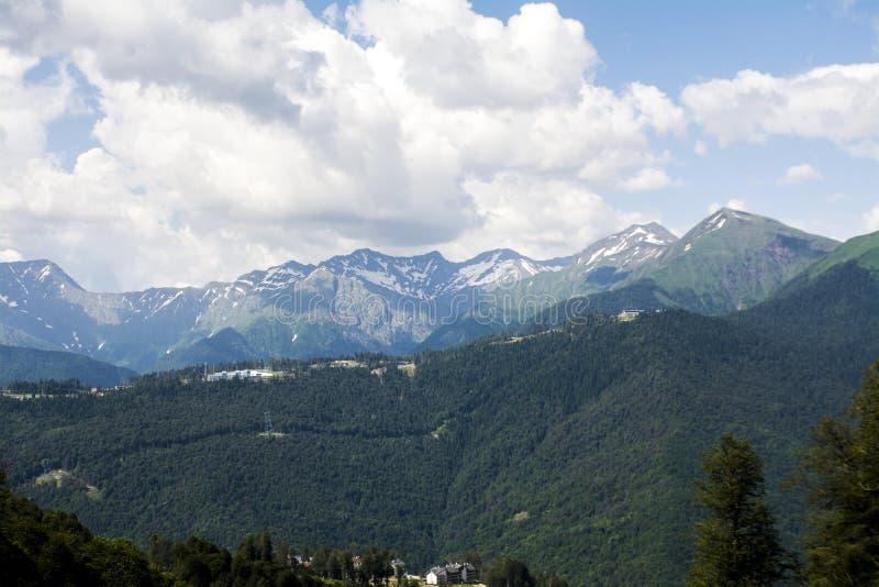 Grandes montañas foto de archivo libre de regalías