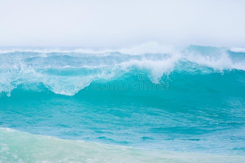Grandes ondes d'océan photos stock