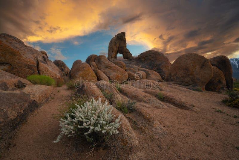 Grandes pedras e boot Arch Rock nas montanhas do Alabama fotografia de stock royalty free