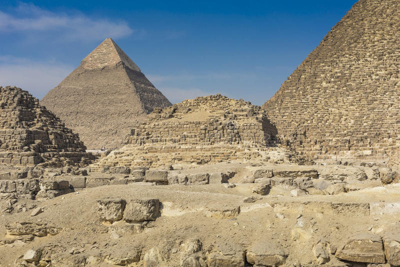 Grandes pirâmides egípcias em Giza, o Cairo fotografia de stock