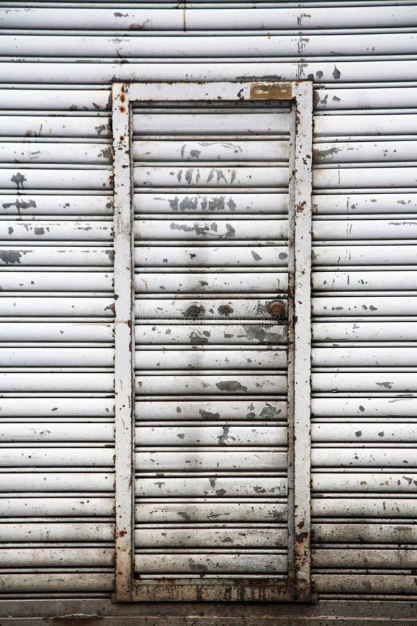 Grandes portes de garage image stock