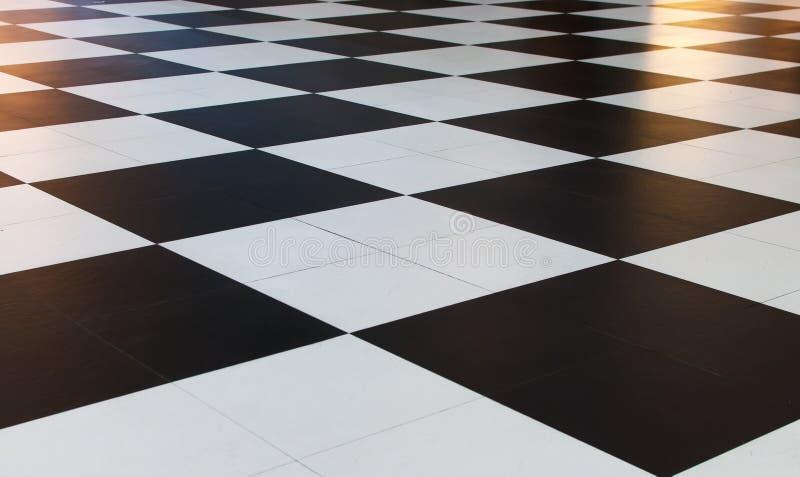 Grandes tuiles à carreaux noires et blanches de modèle photographie stock libre de droits