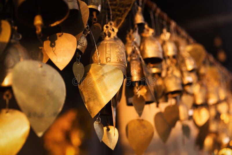 Grandi campane famose di desiderio di Buddha, Phuket, Tailandia fotografie stock libere da diritti